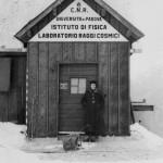 L'ingresso del laboratorio sul Passo Fedaia, 1950