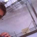 Selfie... con il prisma di Newton!!!  Ha permesso una delle scoperte più importanti per la storia della fisica e ha rappresentato l'ennesima dimostrazione della grande importanza della sperimentazione e dell'inventiva per il genio inglese.. Isaac.. (Andrea Grossutti)