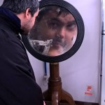 Lo specchio ti osserva... (lo so che non è un selfie ma mi piace :P) (Alessandro Caria)